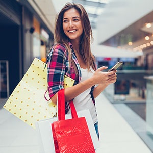 Mall customer using the mobile app