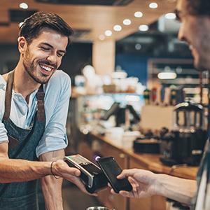 Le consommateur s'identifie en caisse en scannant son smartphone
