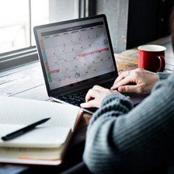 Le client réserve une prestation sur le planning en ligne