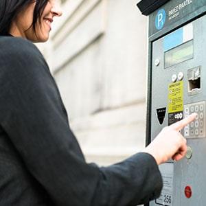 Paiement du stationnement sur l'horodateur avec la carte de fidélité