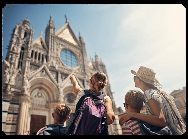 Une famille de touristes en vacances
